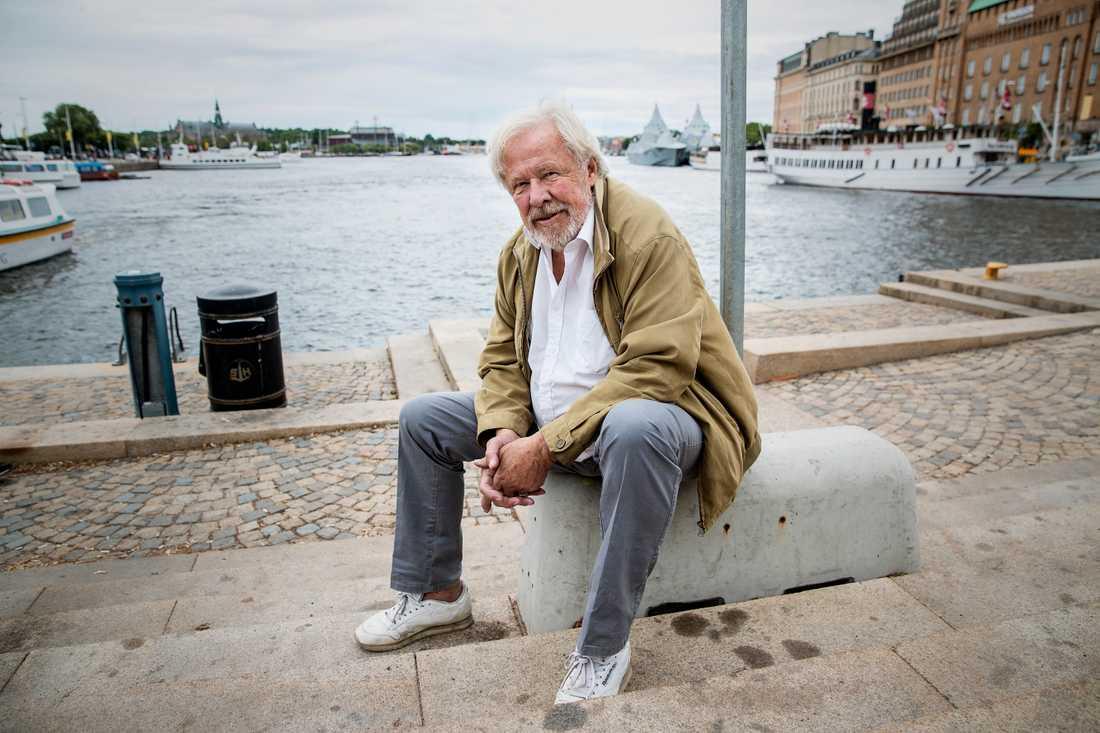 Sven Wollter blev sjuk efter en resa till Stockholm.
