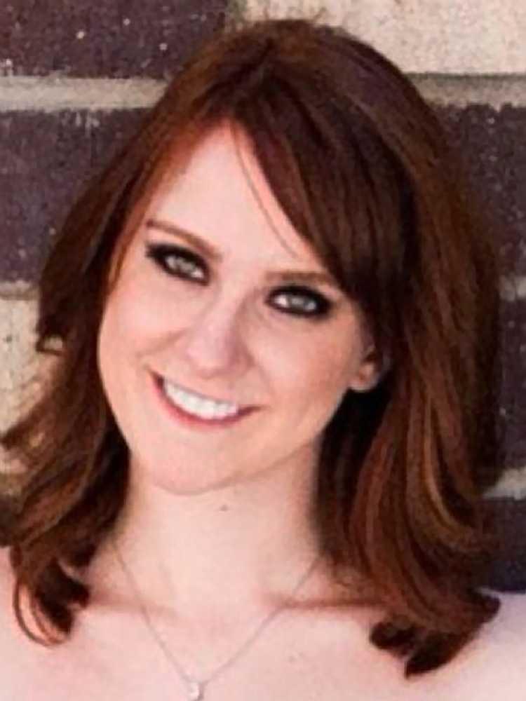 Jessica Ghawi 24 år, från Denver. Arbetade som sportjournalist.