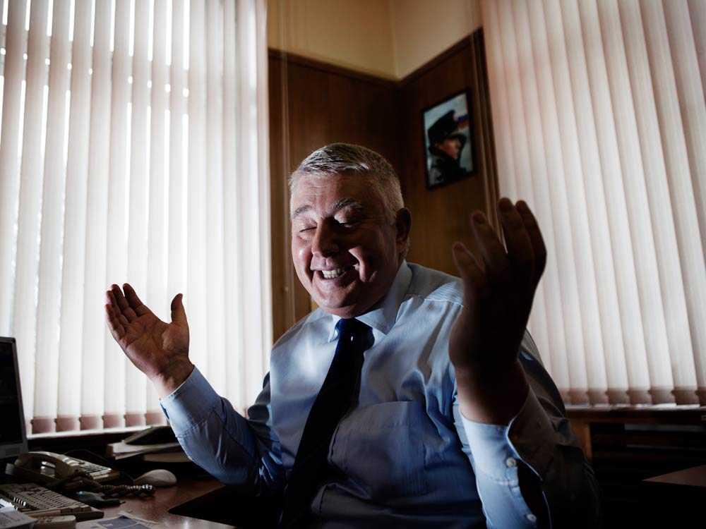 Gogolkin är en av få politiker som kämpar för kvinnors rättigheter i Ryssland. Han driver en mansorganisation som jobbar med mäns egen självbild.