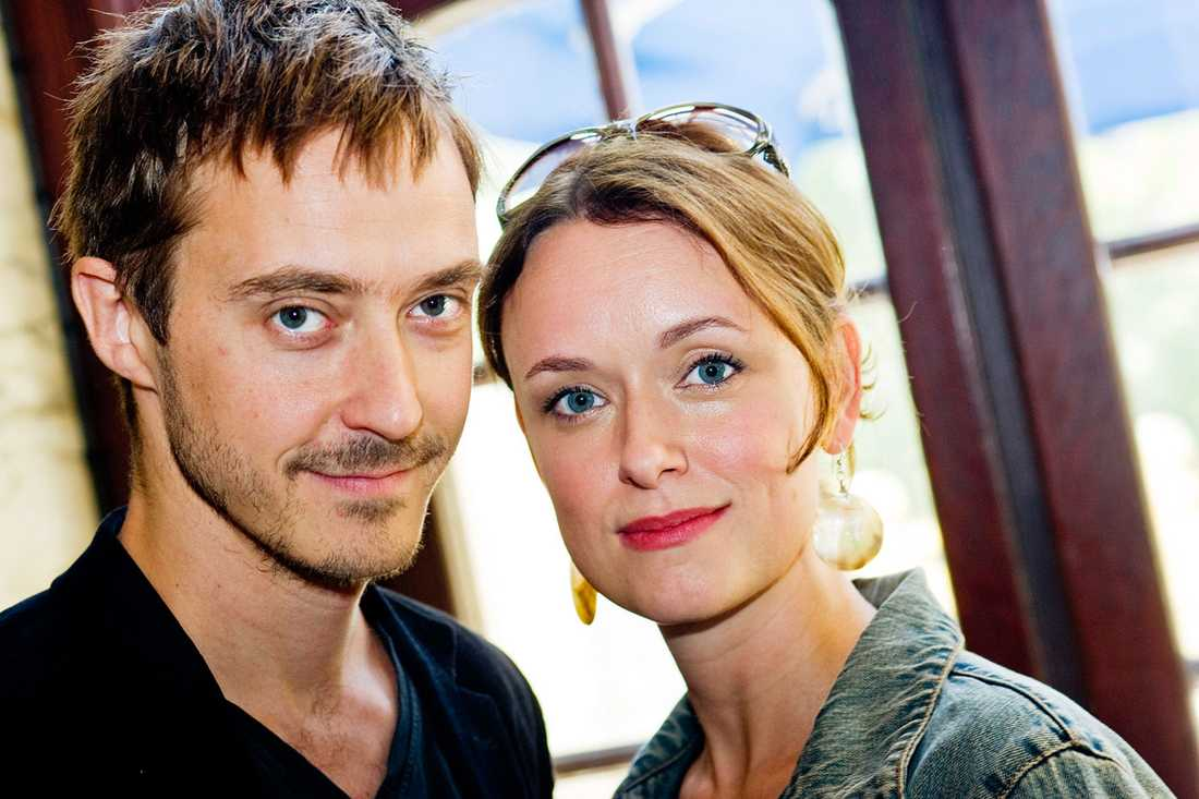 Jonas Karlsson och Livia Millhagen.