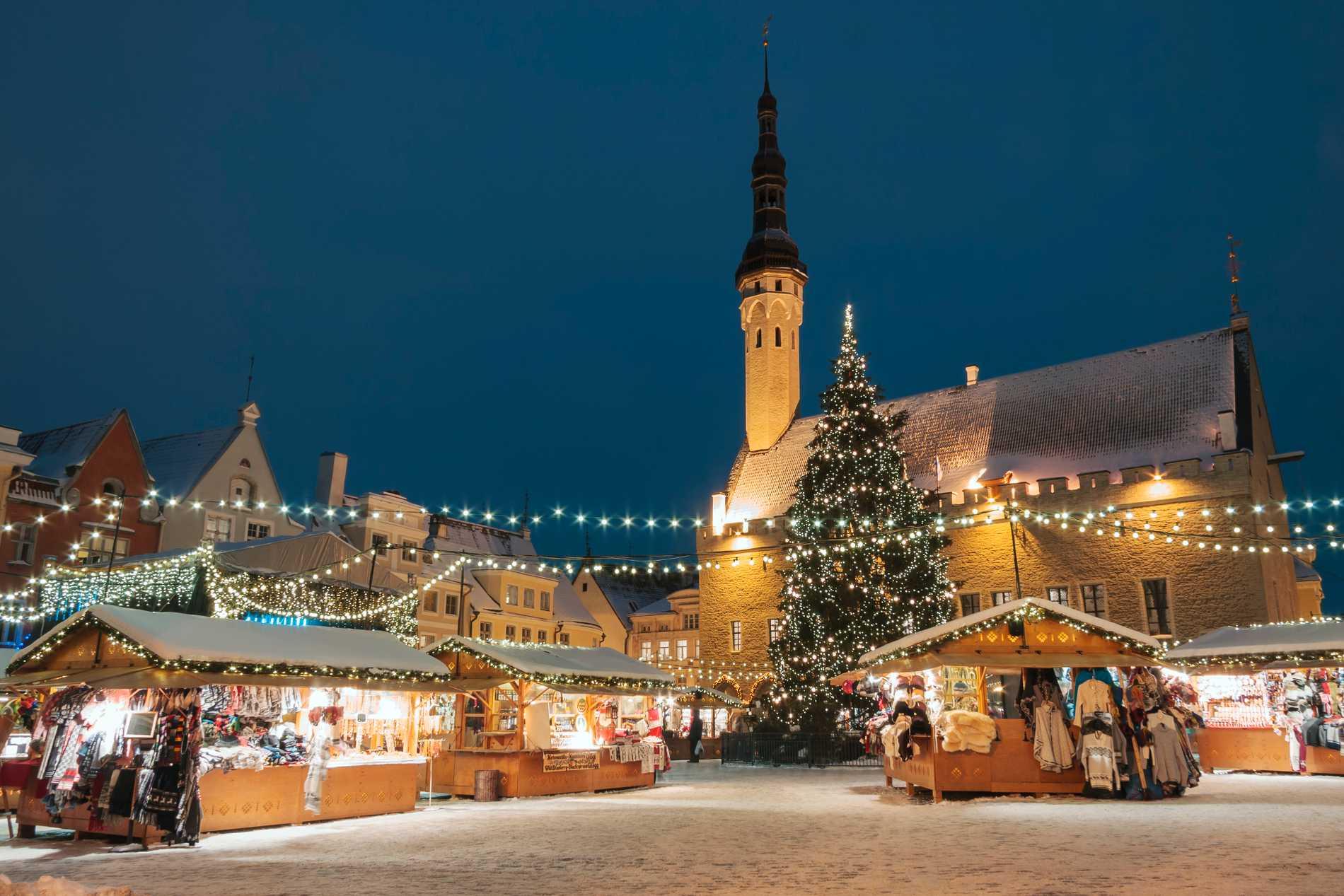 Julmarknaden i Tallinn är en av Europas äldsta.