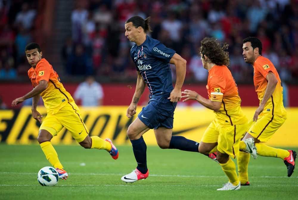 I en av sina första matcher i PSG-tröjan fick Zlatan möta sina gamla lagkamrater i Barcelona.