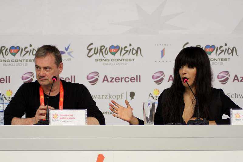 Schlagergeneralen Christer Björkman och Loreen höll sin första presskonferens i Baku i går. oto: