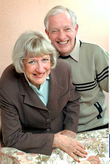 """FRISK IGEN Strax efter Mary och John Stephensons bröllop 1966 gick Mary in i en lång svår depression. Då hon 38 år senare tog ut sina amalgamfyllningar försvann problemen. """"Nu hoppar jag ur sängen på mornarna"""", säger hon."""
