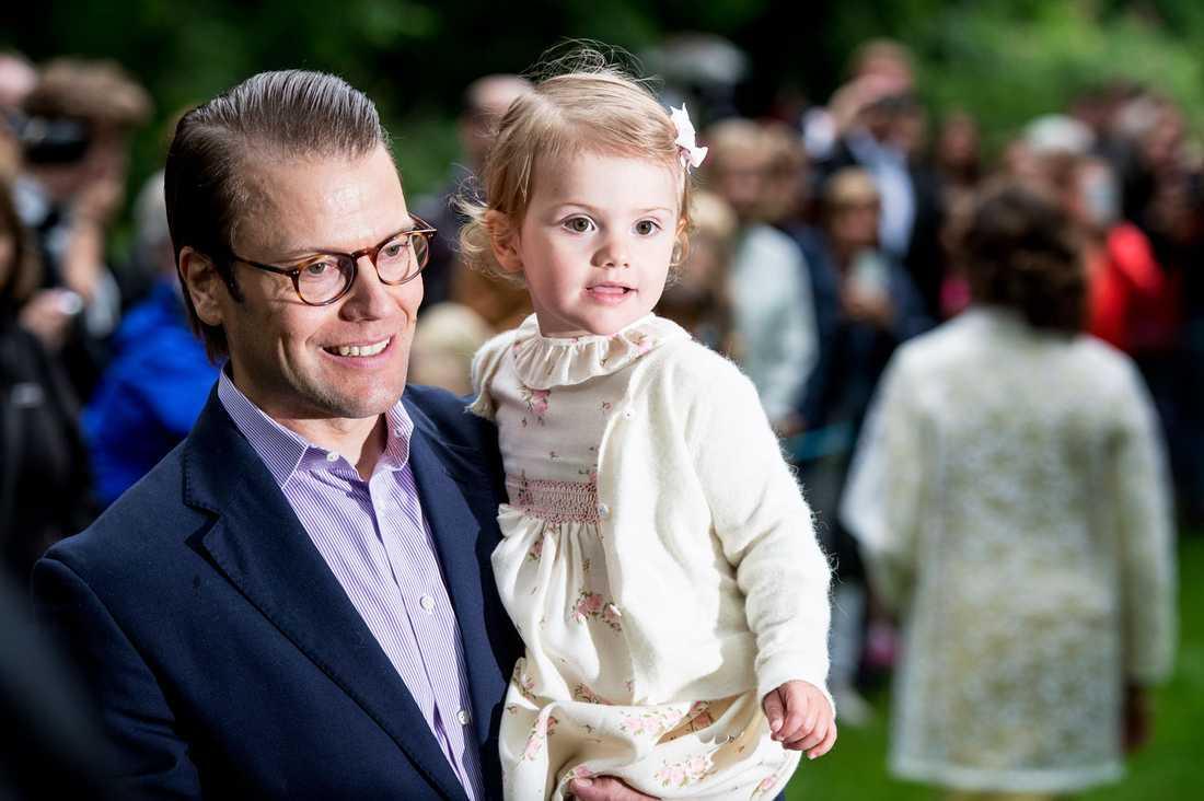 Prins Daniel och prinsessan Estelle.