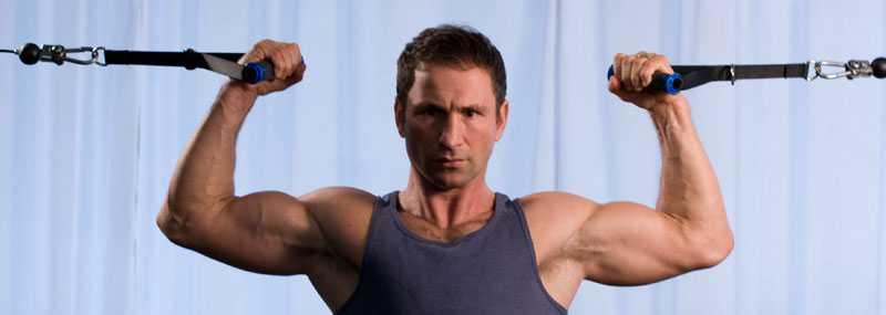 Tränignsexperten, boxaren och programledaren Paolo Roberto vet hur man bygger biffiga armar – eller blir av med gäddhänget.