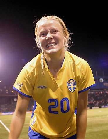 Utvik Landslagsstjärnan Josefine Öqvist har bestämt sig för att vika ut sig i Slitz.  Det är ingen stor grej  säger  Jossan  själv.