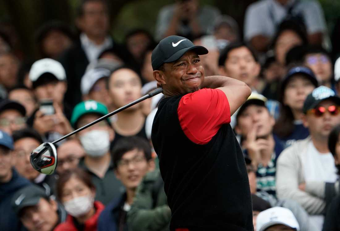 Tiger Woods under de avslutande hålen i Chiba, Japan.