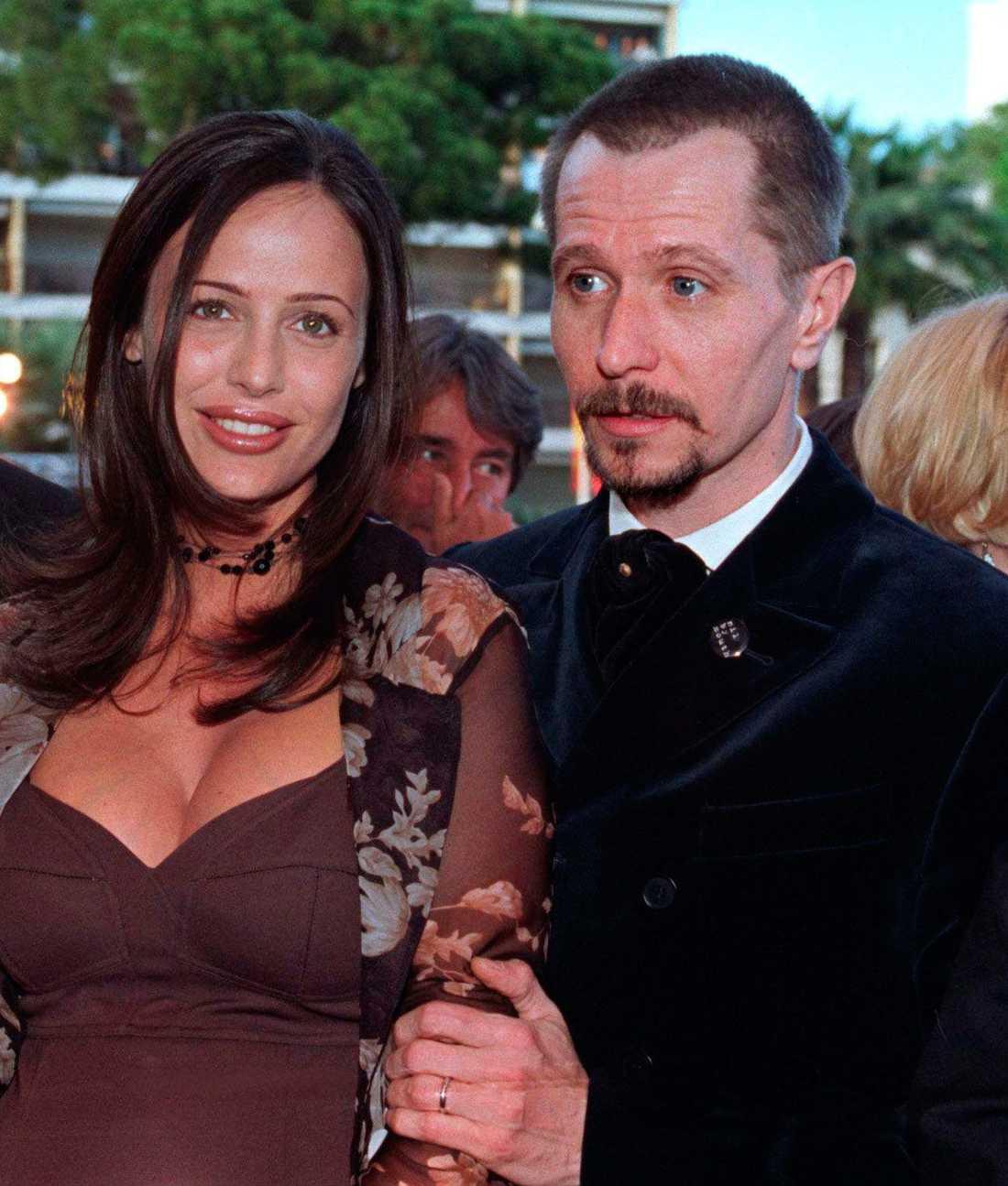 Donya Fiorentino och Gary Oldman under filmfestivalen i Cannes 1997.