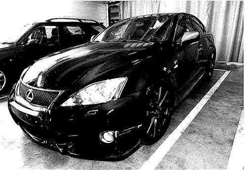 Bilen som användes under vansinnesfärden i augusti 2015. Bild från polisens förundersökningsmaterial.