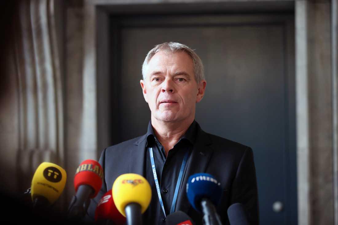 Jens Möller, mordchef vid Köpenhamnspolisen på lördagens presskonferens.