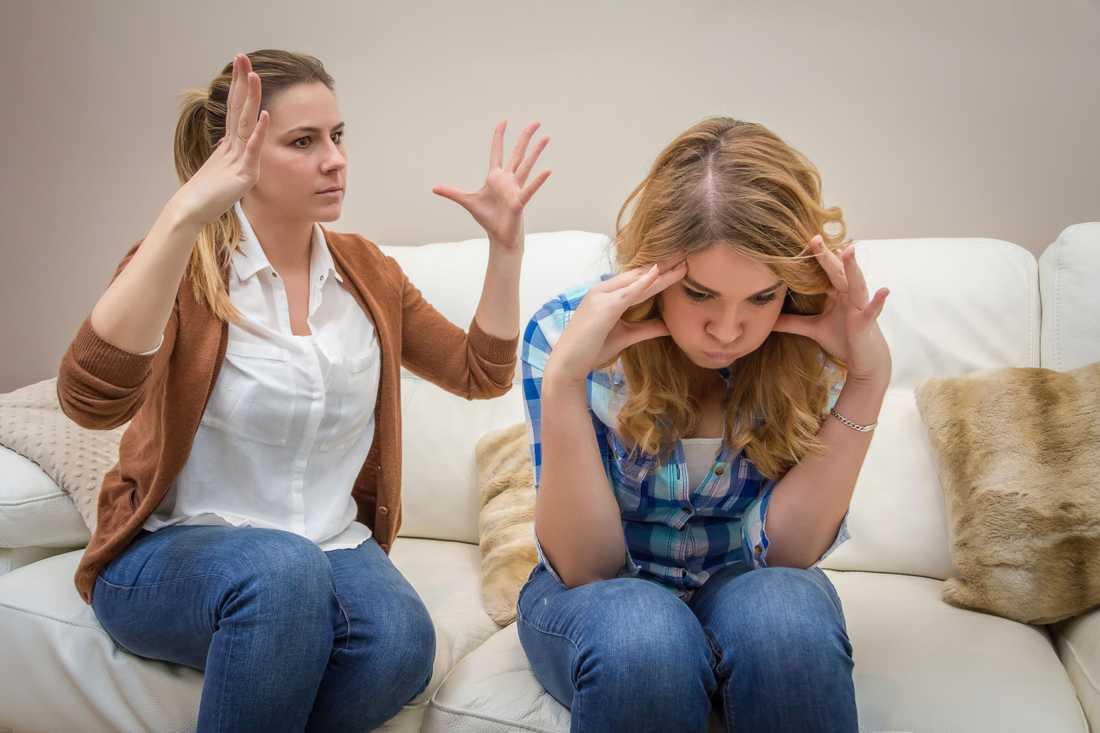 Mammor får stå ut med mycket från sina tonårsbarn, skriver Malin Wollin.