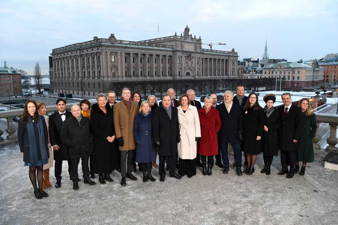 Gruppbild på Stefan Löfvens nya regering