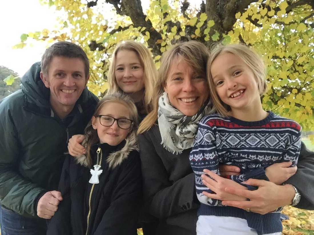 """""""Alla i familjen är så glada och stolta över mitt nya jobb"""", säger sjuksköterskan Karin Kling som snart byter sin vardag på Astrid Lindgrens barnsjukhus mot en jordbruksfamilj i Malawi, världens fattigaste land."""