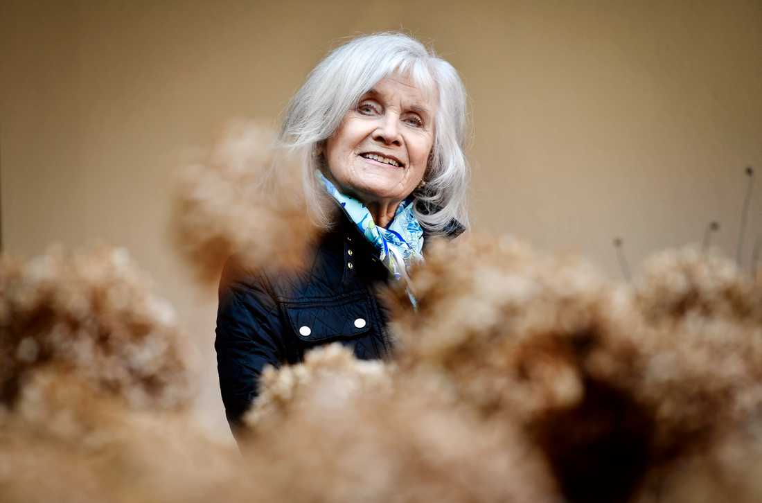 När skådespelaren Anita Wall, 79, hade fyllt 59 år fick hon gå på dagen.