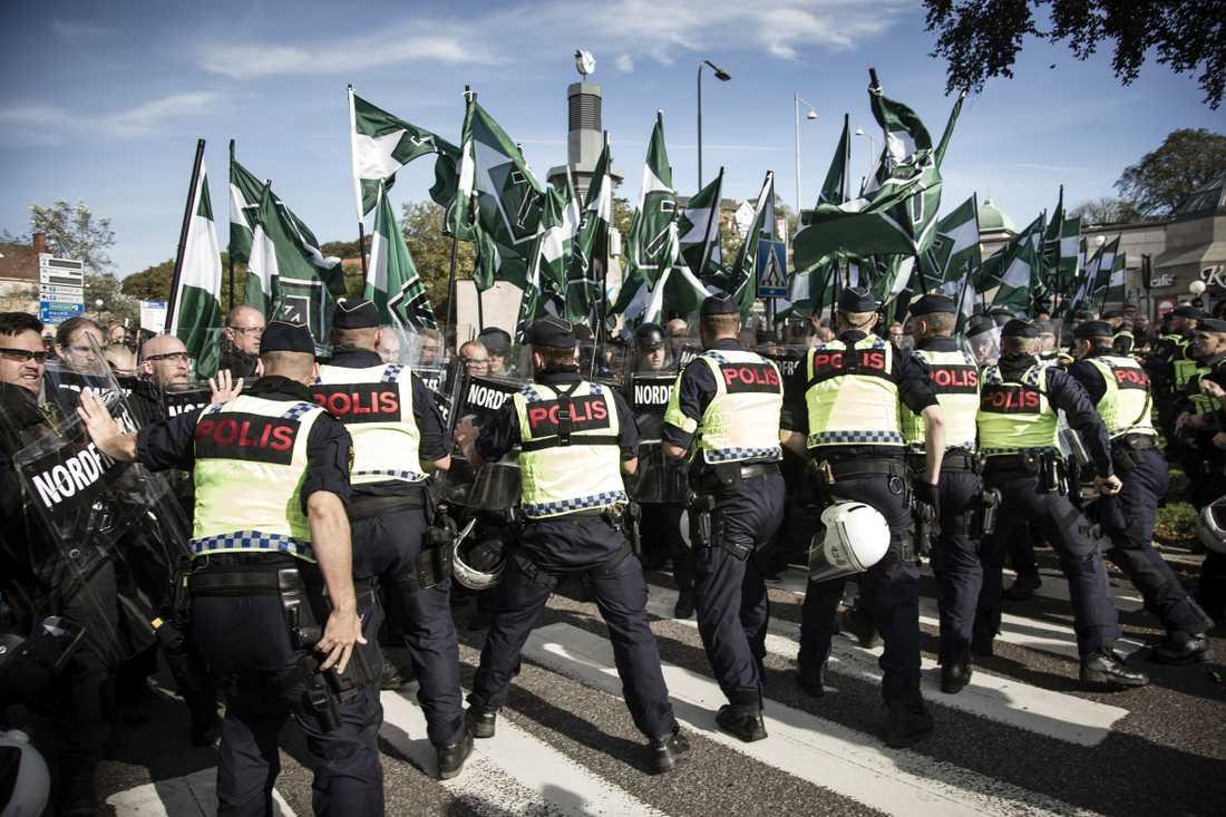 Nordiska motståndsrörelsens demonstrationer ger uttryck för nazism och borde i sig betraktas som hets mot folkgrupp.