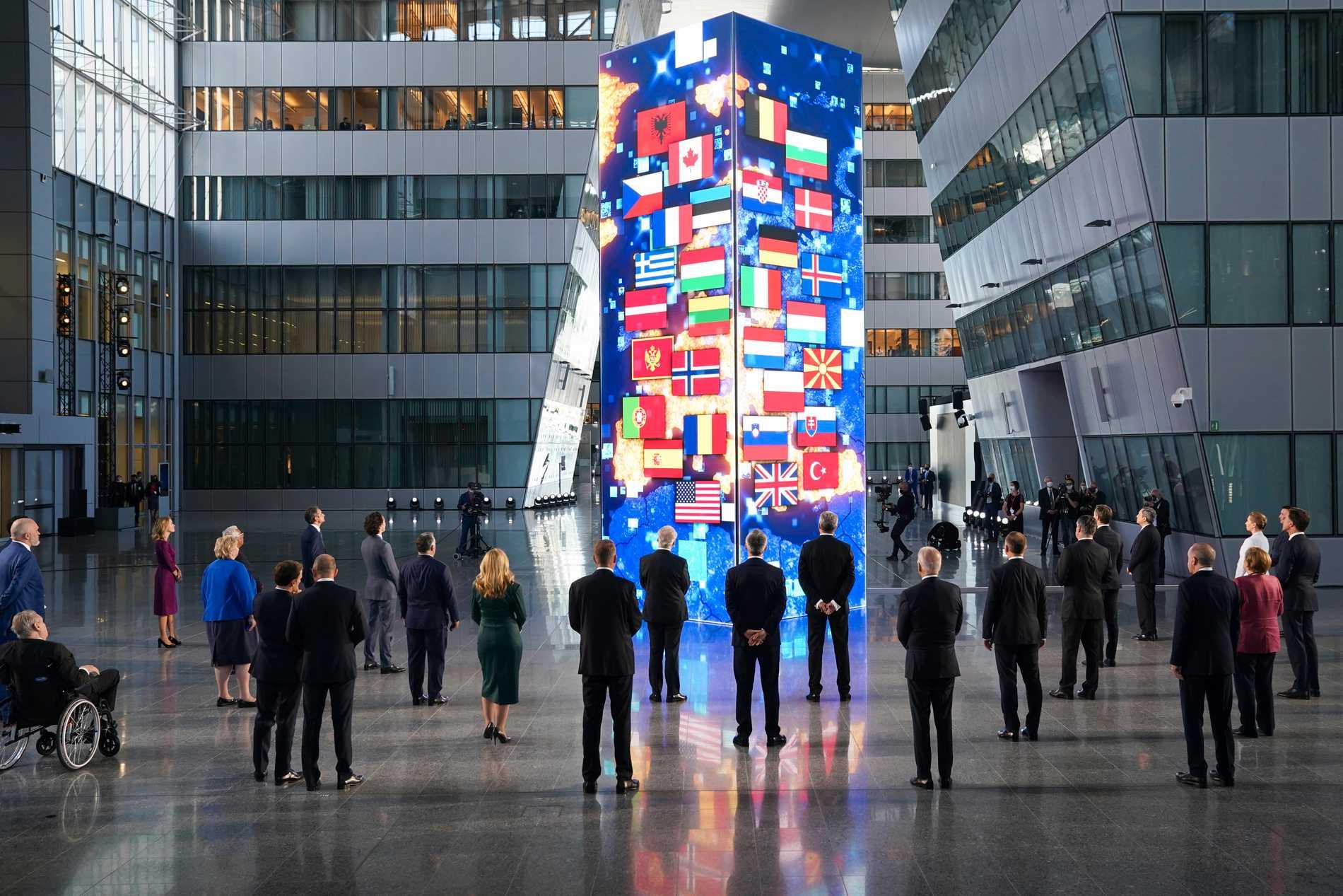 Natoländernas ledare poserar för bilder i Bryssel.