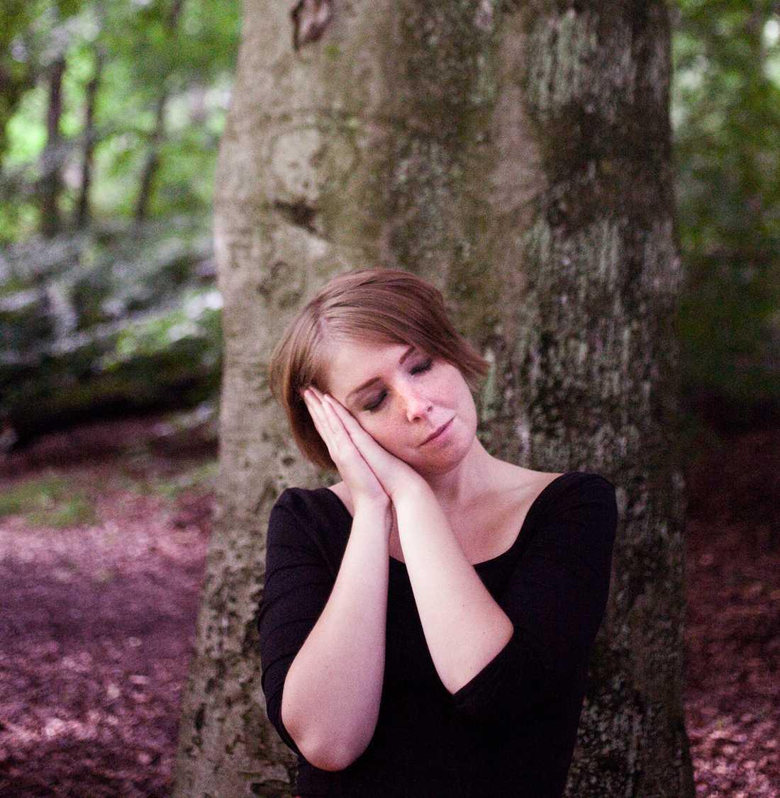 Elin Grelsson Almestad, född 1983, är författare, frilansskribent och bloggare. Foto: Arvida Byström
