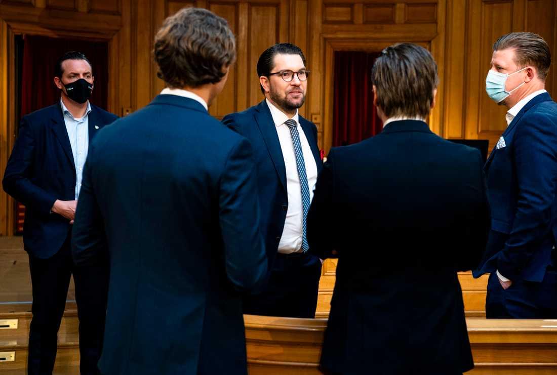 Jimmie Åkesson vill begränsa samhällets stöd till personer utan medborgarskap. Ett steg närmare partiets vision om nollinvandraing.