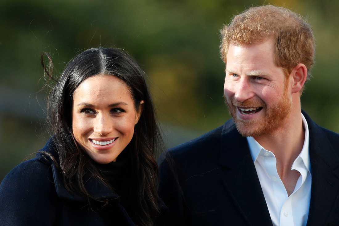 Prins Harry gifter sig med Meghan Markle.