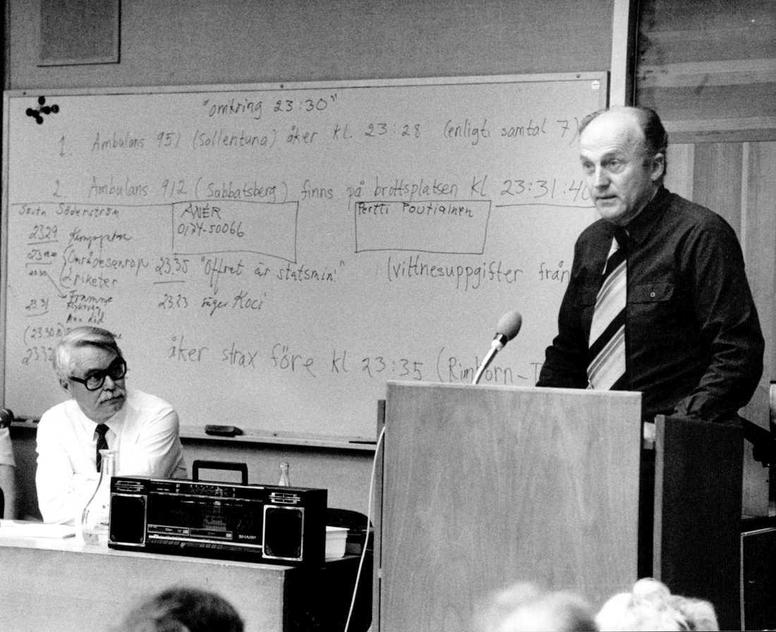 Gösta Söderström, förste polis på mordplatsen i februari 1986, vid ett privatspanarmöte 1988. Arkivbild.