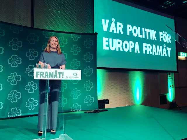 Centerledaren Annie Lööf talar på partiets valupptakt inför EU-valet i Solna.