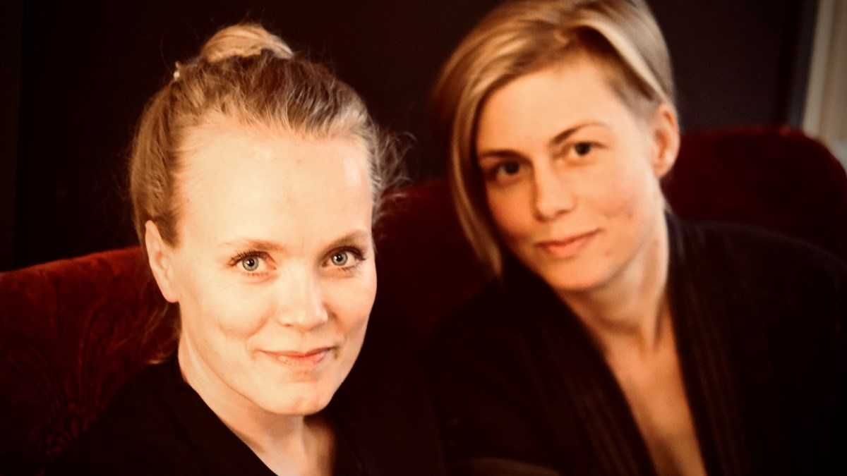 """Artistkollegorna Ane Brun och Anna Ternheim möts i Sveriges Radios """"Framåt midnatt med Anna Ternheim"""""""