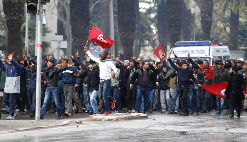 Demonstranter i Tunis.