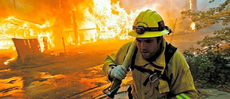 De våldsamma bränderna i Kalifornien har förstört många bostäder – men inte allas.