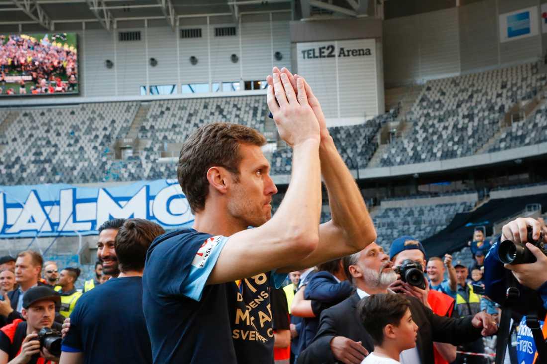 Iskasson tackar fansen.