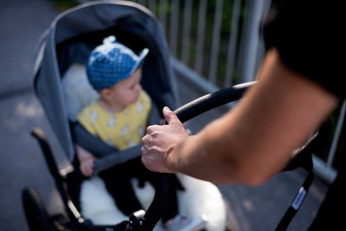 Pappornas andel av uttagna föräldradagar har ökat, från 16 procent 2005 till 30 procent 2019, enligt Försäkringskassan.