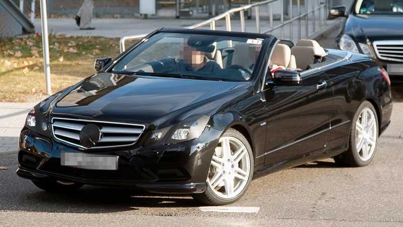 Räkna med fina köregenskaper och härlig känsla när du glider fram i nya Mercedes E-klass cab.