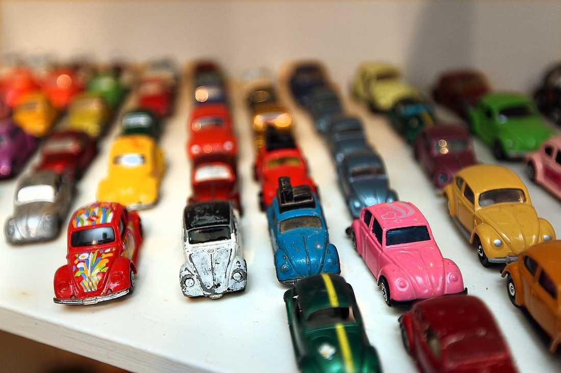 Förutom 50-talet riktiga bilar har Ulf samlat på sig 1 500 bubblafynd från hela världen.