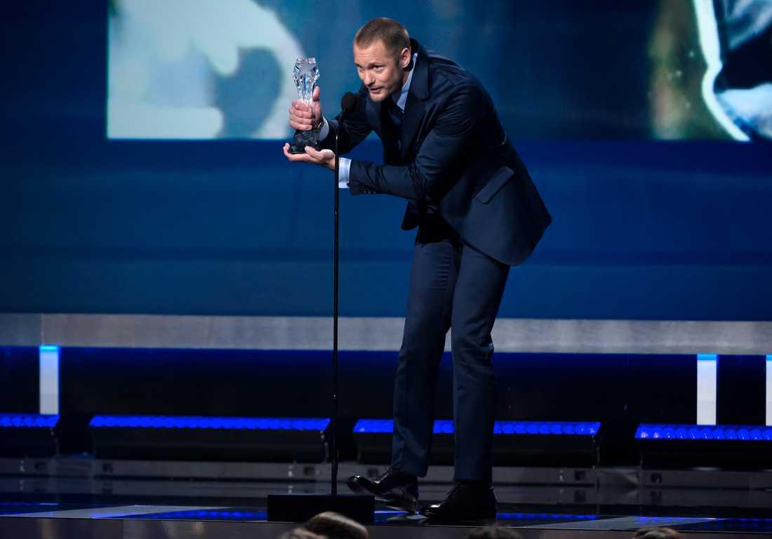 Alexander Skarsgård tog hem pris på Critics' Choice Awards.