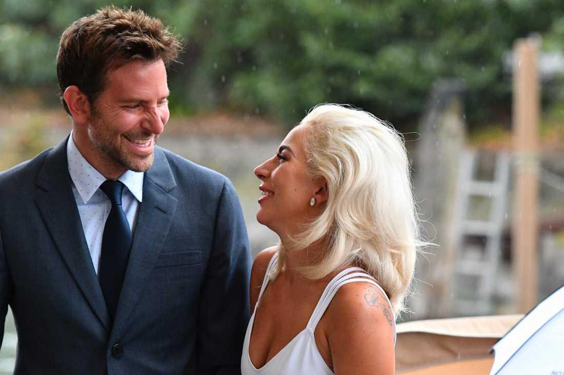 Bradley Cooper och Lady Gaga.