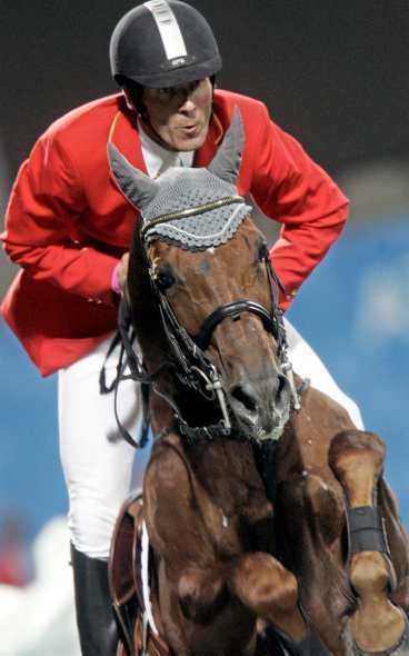 världsettan fast för dopning Ludger Beerbaums häst Goldfever blev dopad med en salva mot ett sår. Nu mister stormakten Tyskland OS-guldet och är skandalen är ett faktum.