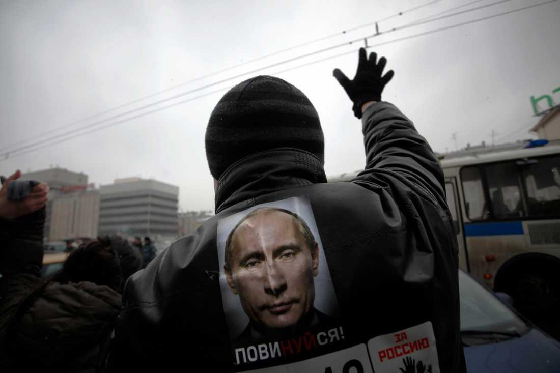 Tiotusentals protesterade i Moskva söndagen den 26 februari.