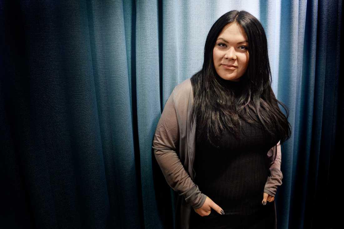 """""""Kroppsångest och skönhetsideal har varit en central kamp i mitt liv"""", säger Frida Söderlund."""