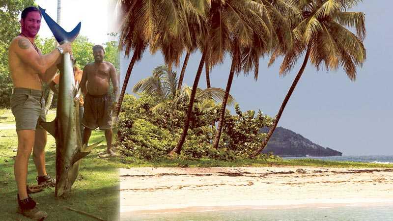 """För första gången har """"Robinson"""" spelats in i Karibiens övärld, på Dominikanska republiken. """"Snorklingen är helt fantastisk, havet är som ett överfullt akvarium"""", säger nye programledaren Paolo Roberto."""