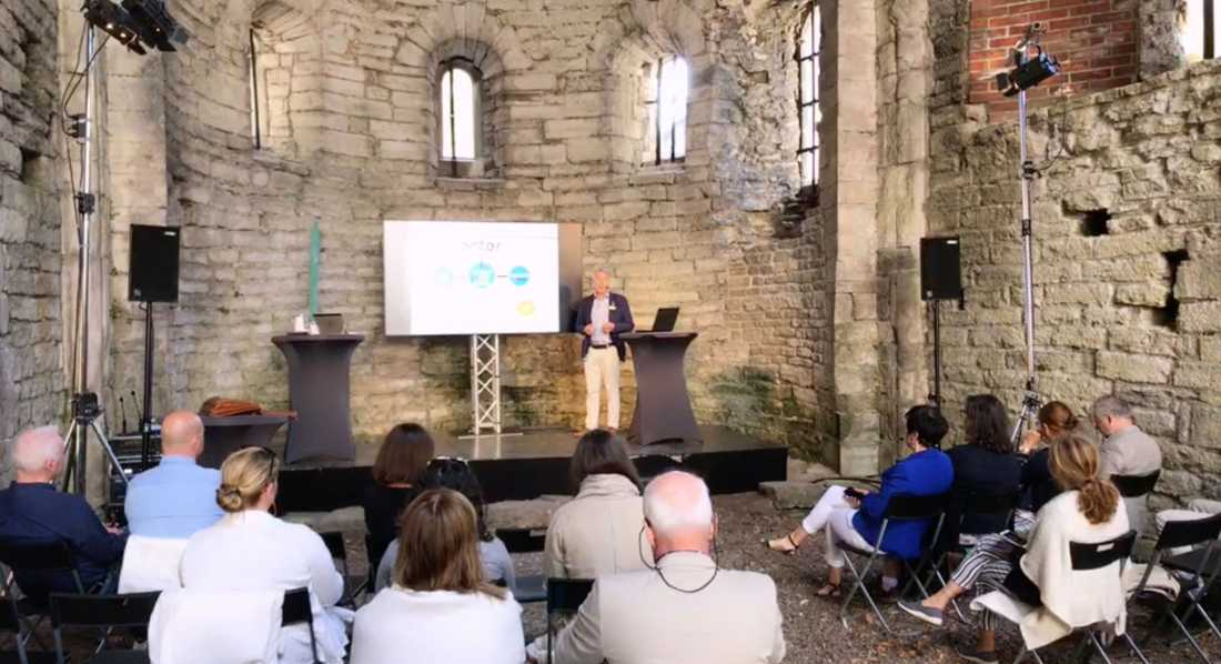 Under politikerveckan i Almedalen hyrde kommunen Sankt Lars ruin för en tvåtimmarskonferens. Notan: 60 000 kr.