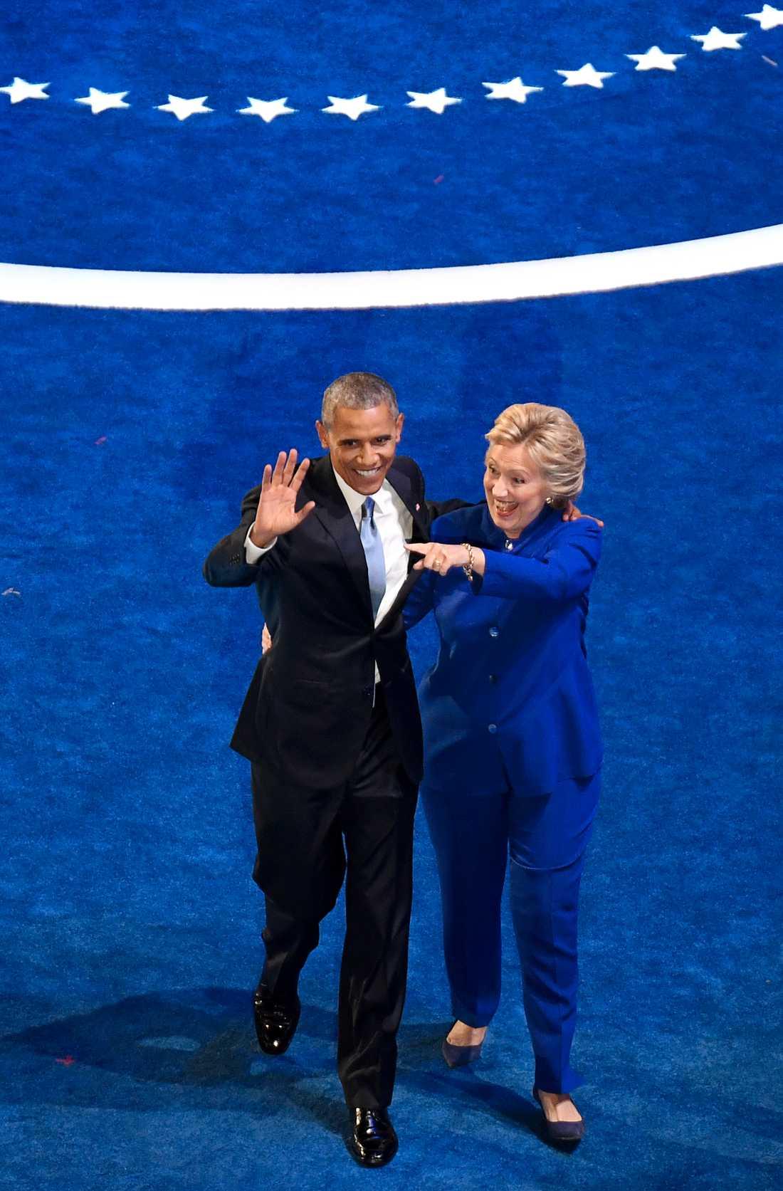 Barack Obama och Hillary Clinton på Demokraternas konvent.