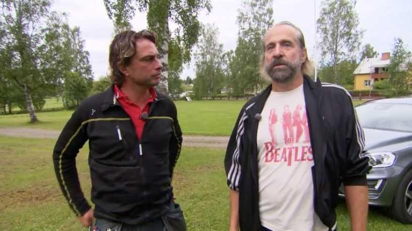 Peter Stormare visar upp sin hemort Arbrå för Arga snickaren.