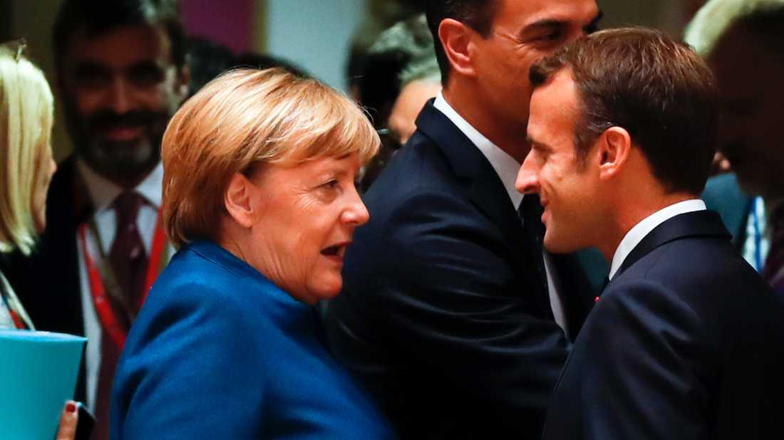 Tysklands Angela Merkel och Frankrikes Emmanuel Macron gör inte samma kopplingar mellan vapenexport och journalistmord. Arkivbild från 17 oktober.