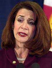 Floridas delstatsminister Katherine Harris vid en presskonferens i Tallahassee i går.