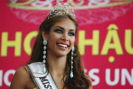 Segertippade Miss Venezuela utsågs till Miss Uiversum i den ständigt omdebatterade tävlingen för kvinnor.
