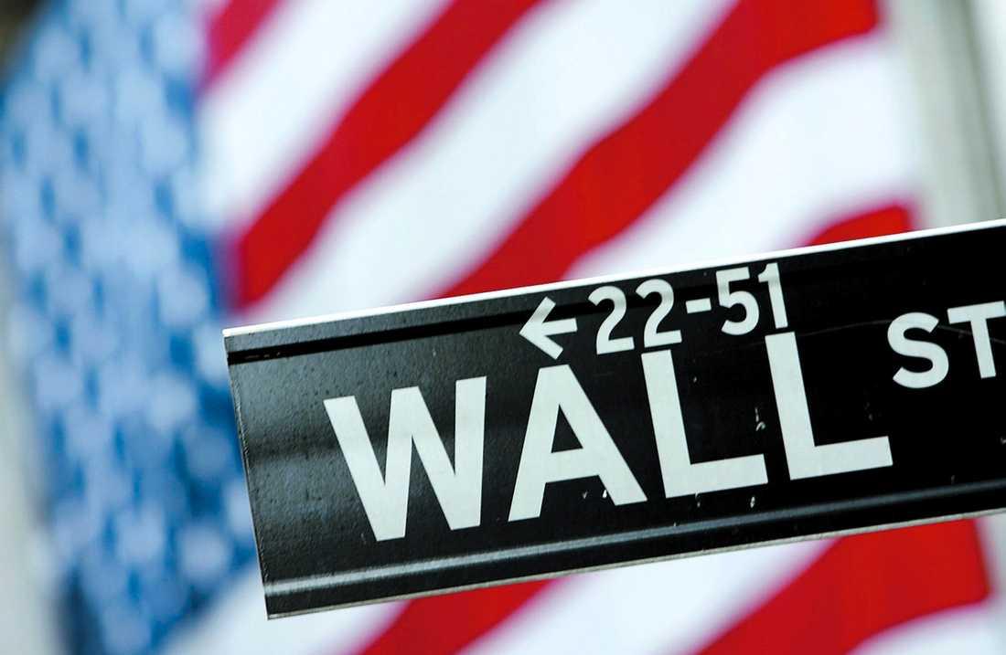 """RÄKNAR MED RUSNING Efter bostadslån väntas livförsäkringar bli nästa stora spekulationsvara för investmentbankerna på Wall Street. Men kritiker finns. """"Det här strider mot själva idén med livförsäkringar"""", säger experten Steven Weisbart."""