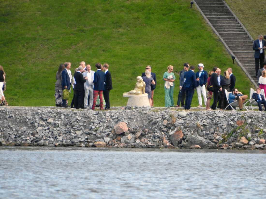 Gästerna samlas