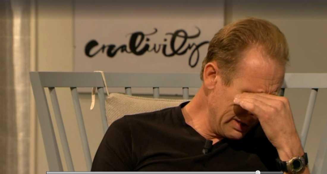 """Gunde Svan brast i tårar under intervjun med Malou von Sivers i """"Efter tio""""."""