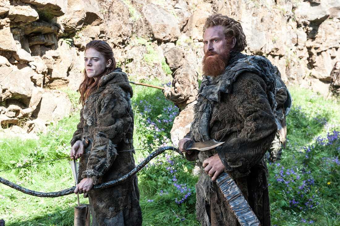 "Rose Leslie och Kristofer Hivju i ""Game of thrones""."