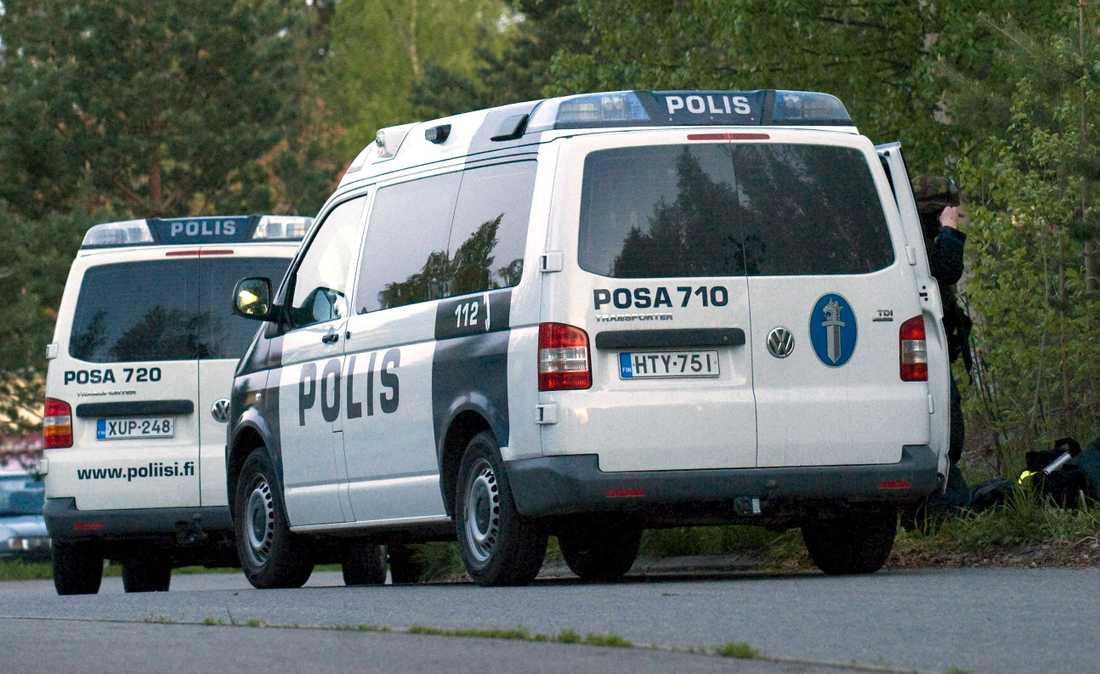 Minst en ska vara död och nio skadade i Finland.